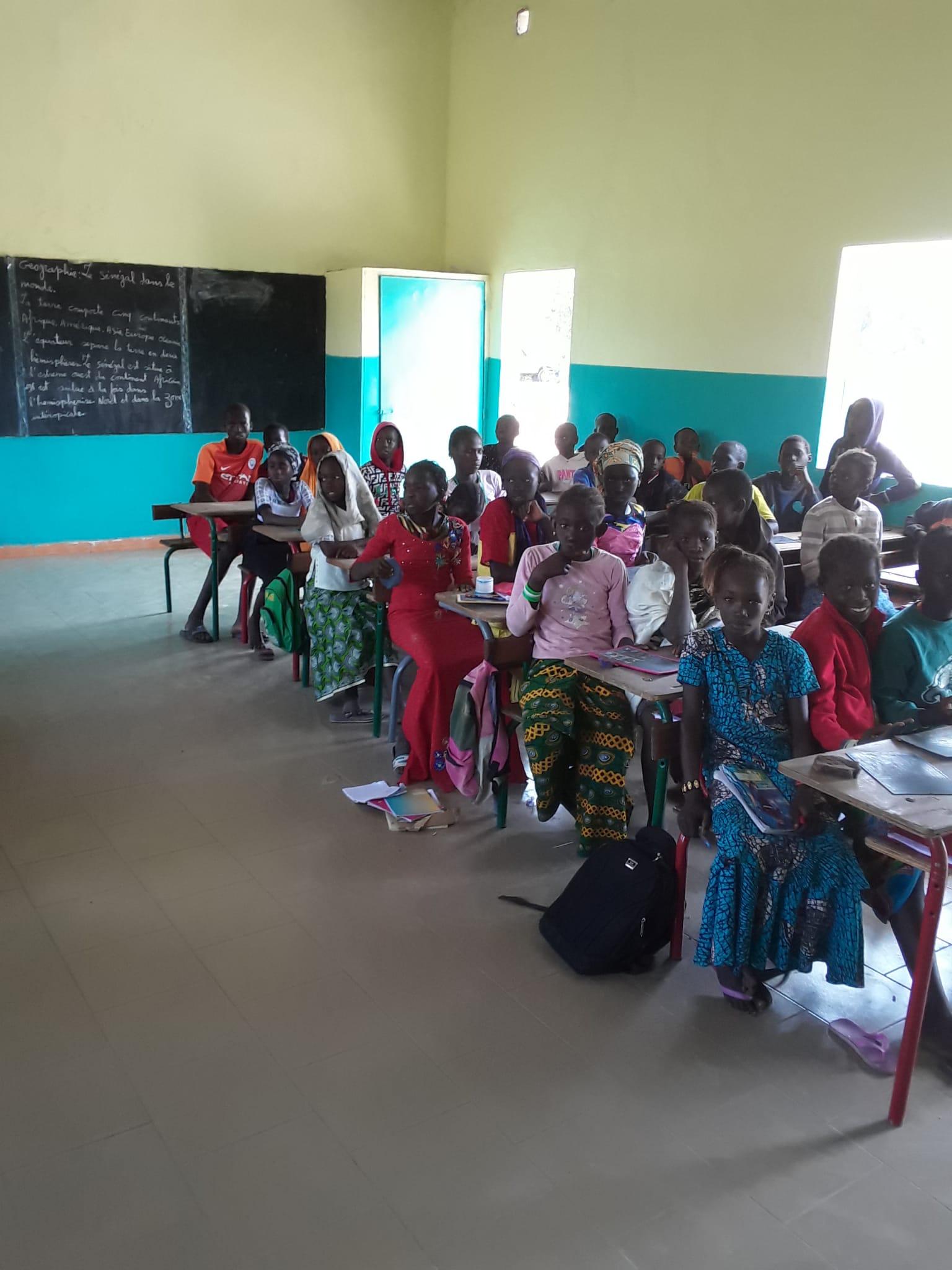 Unterricht im renovierten Schulgebäude (das 2.)