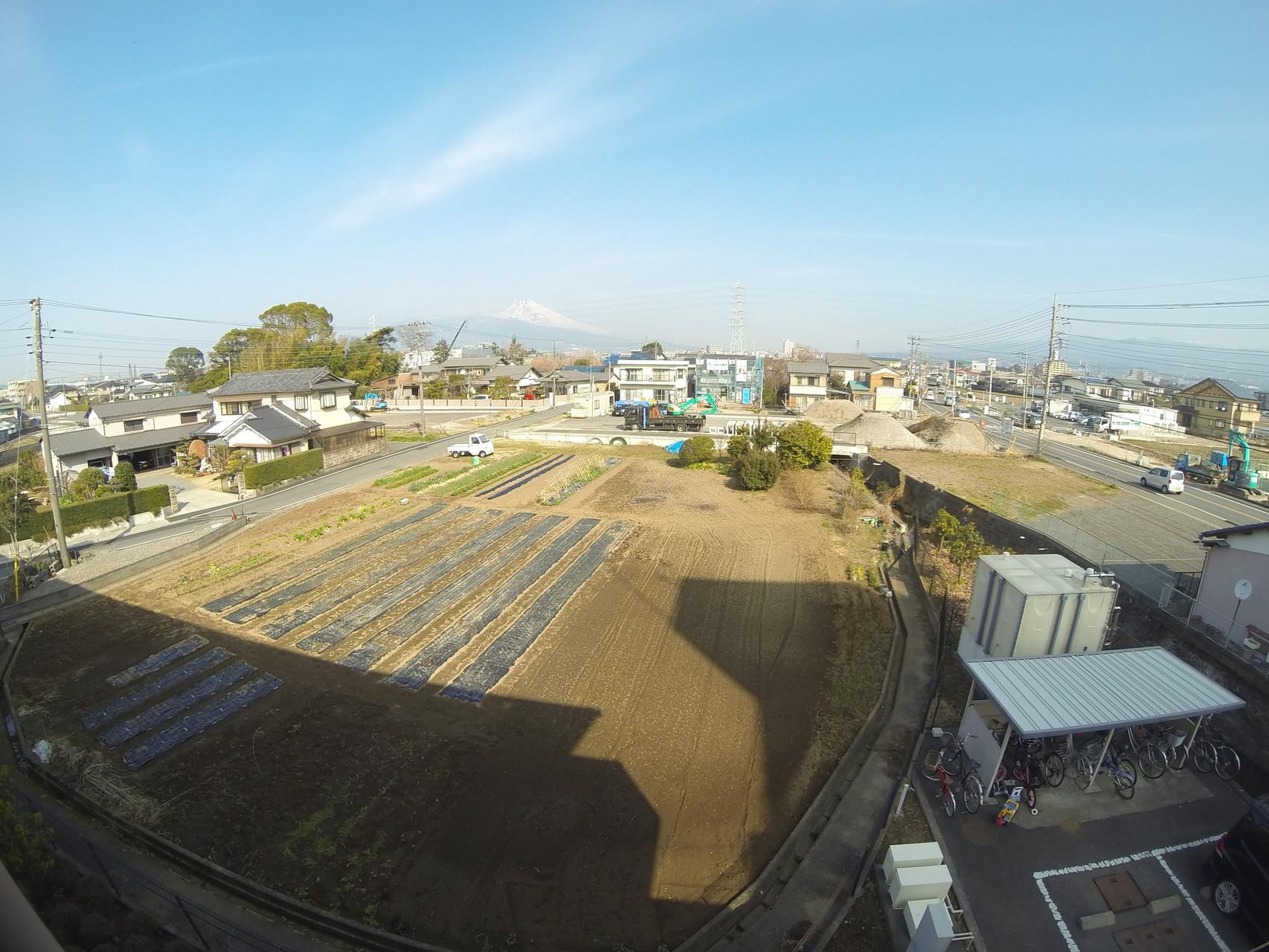 北棟から富士山方面