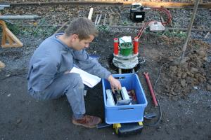 Aufnahme der GPS-Daten und Einmessen einer Messstelle (VEGAS)