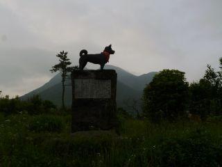 6月20日 5:40 長者原の平治号の銅像