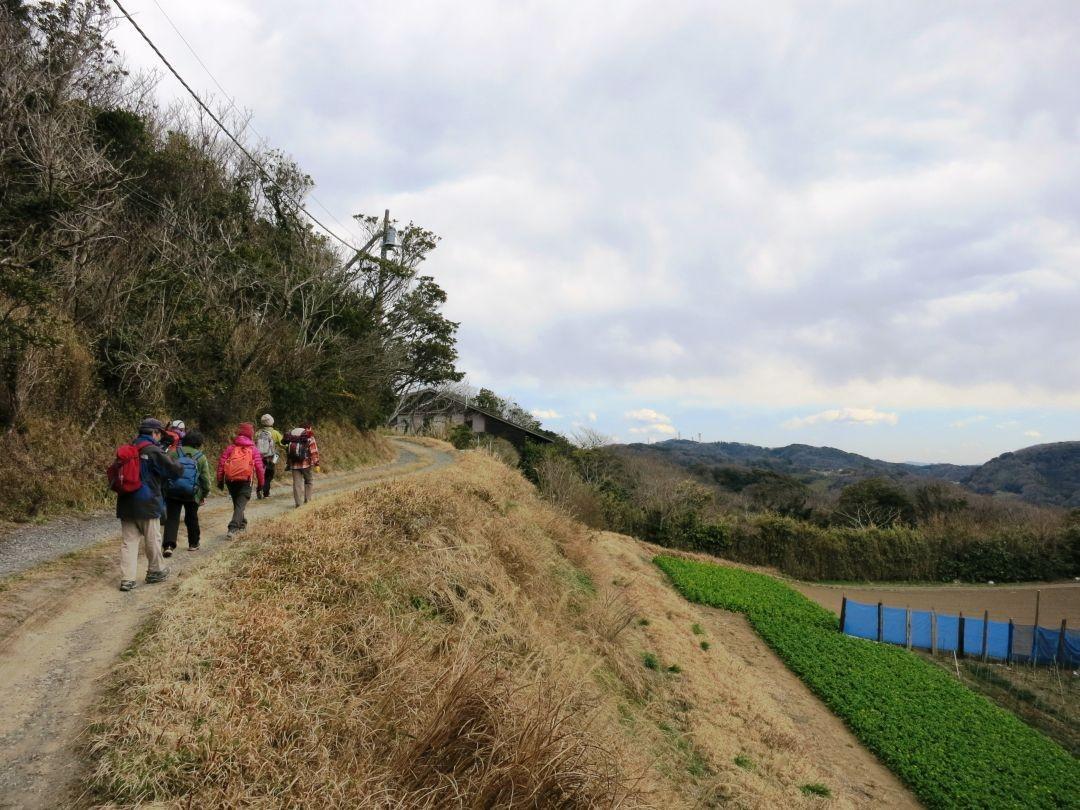 12:20 峯山近くの里を歩く