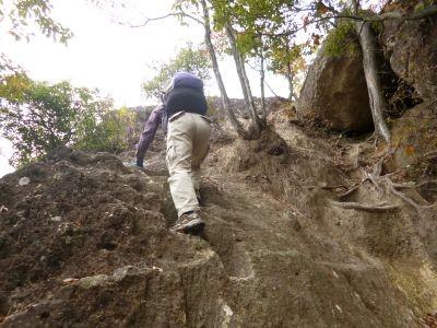 10:52 岩登りの訓練
