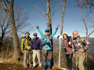 10:55 全員の集合写真。登山客とは一人も会わず