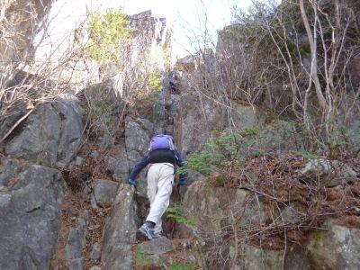 12:35 幕石を登る