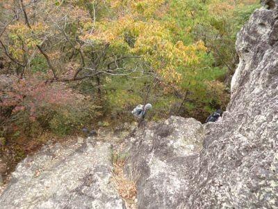 10:42 大谷石でできた岩がでてくる