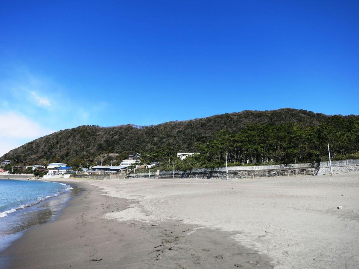 10:45 一色海岸の葉山御用邸