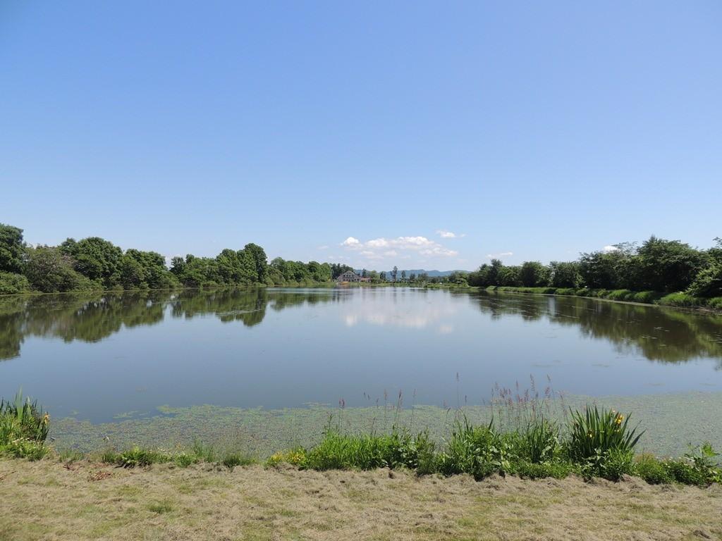2014.06.22 三重湖レークハウスを対岸から眺める