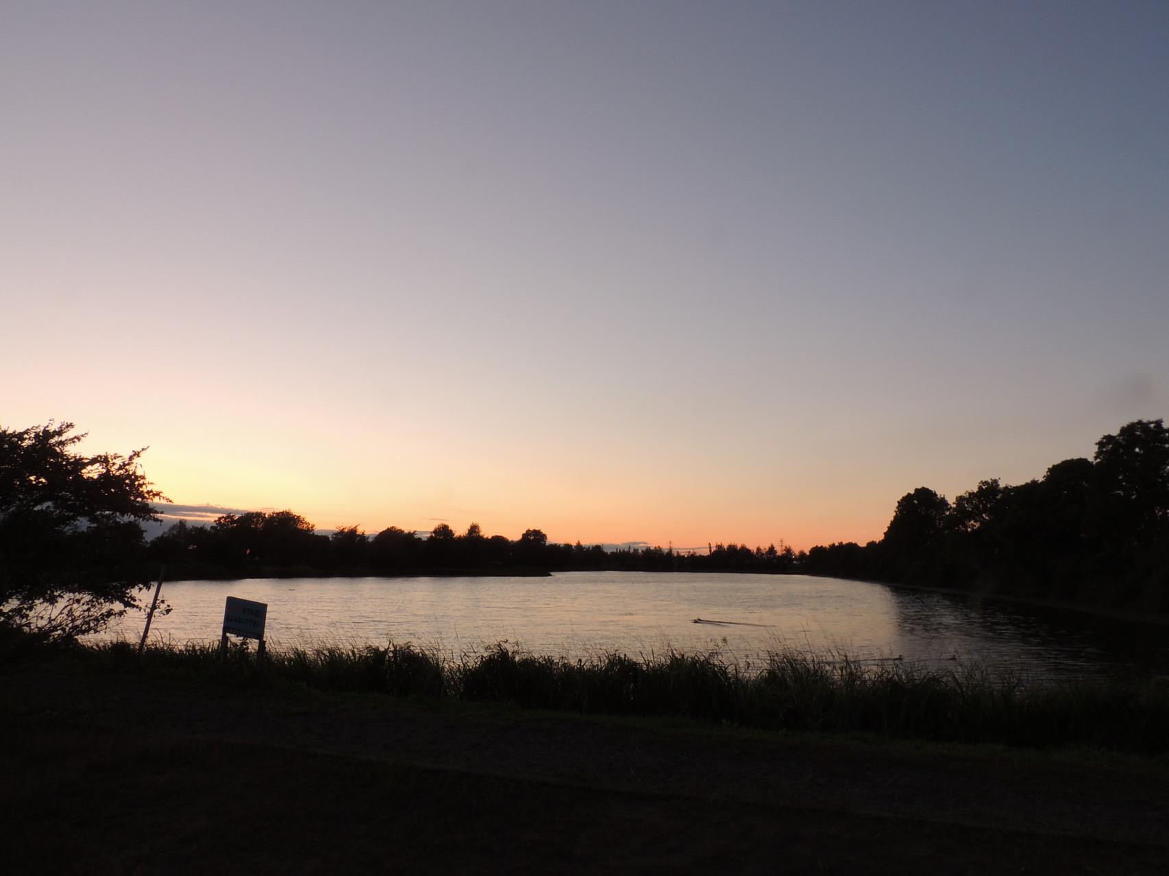 2014.08.26 日も短くなり、三重湖の夕焼けを撮影することが難しくなりました