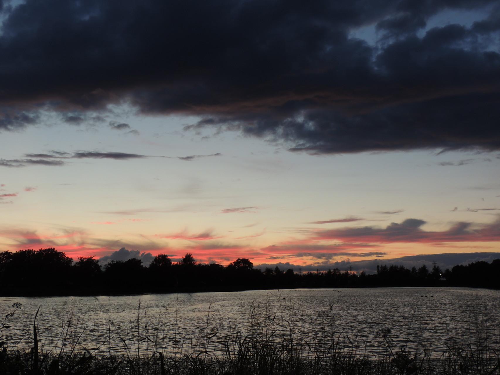 2014.08.14 夏と秋の中間のような夕方です