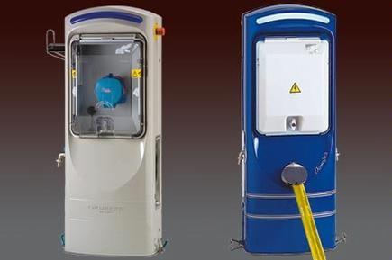 Torretas de suministro de agua y luz para Mega Yates