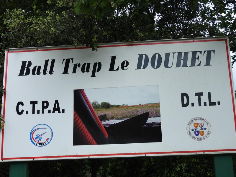 NOTRE STAND ABRITE DE CLUB DTL LE DOUHET ET CTPA LE DOUHET