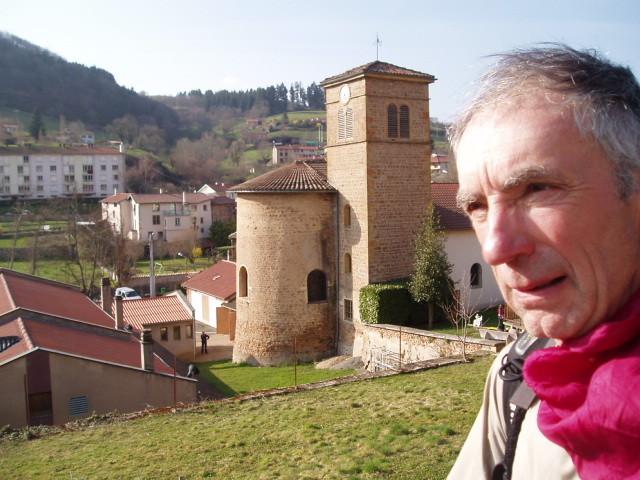 Chemin de Compostelle,voie du Puy : près de Chamelet,classé parmi les plus beaux villages de France