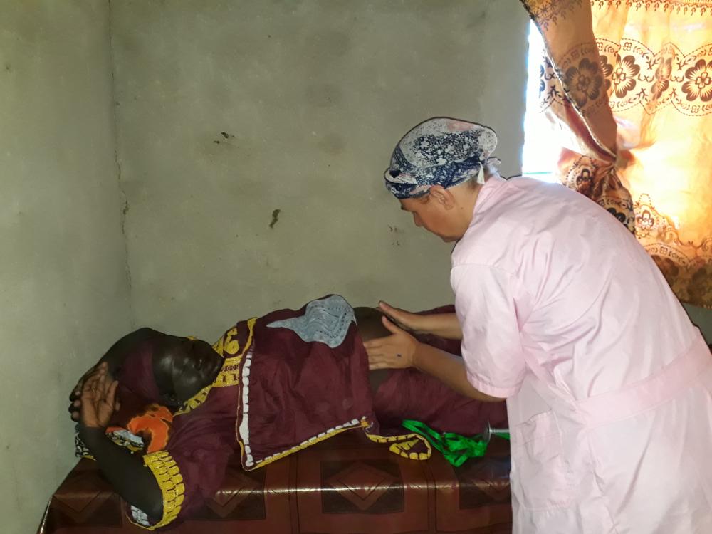 Schwangerschaftskontrolle in der Kirchenklinik in Abéché