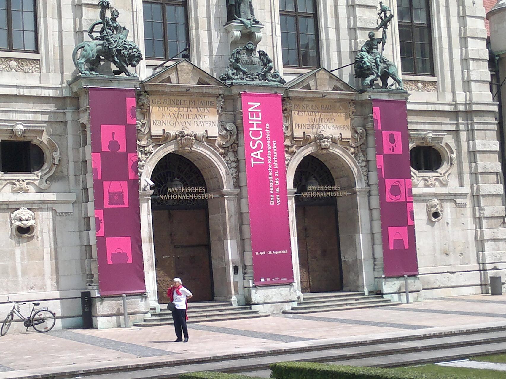 Am Deutschen Museum vorbei