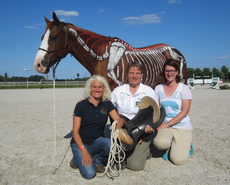 Hier mit Katrin Obst (Physiotherapeutin) und Gaby Eichenberger (Way Out West)