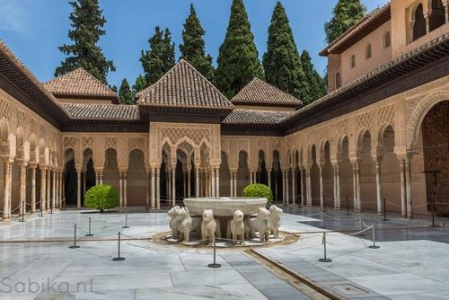 Patio de los Leones > Alhambra > Granada