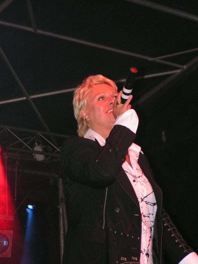 JACKIE QUARTZ