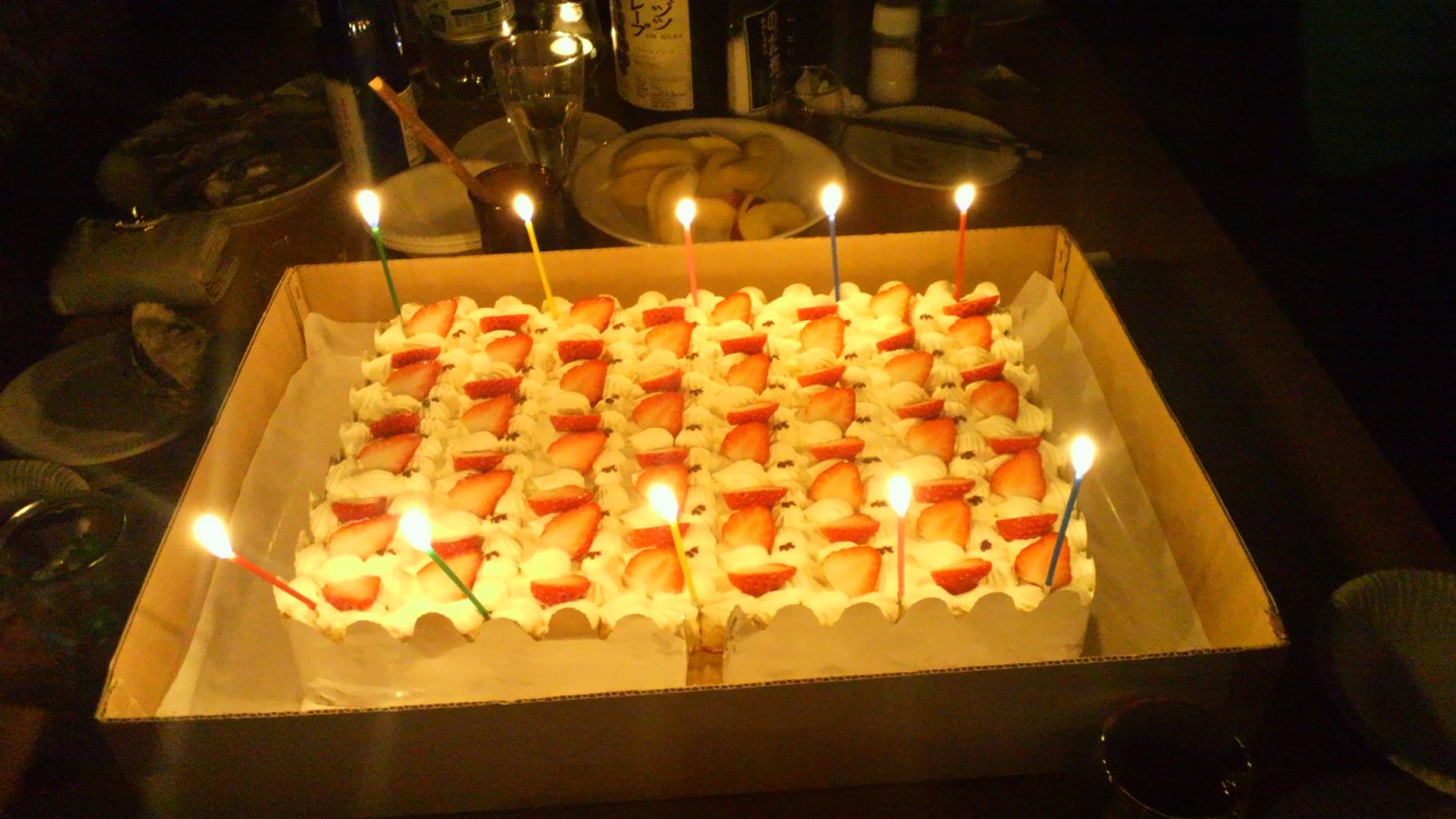 10,000円のバースデーケーキは「松永堂(塩尻市大門5番町)」さんにご協力いただきました