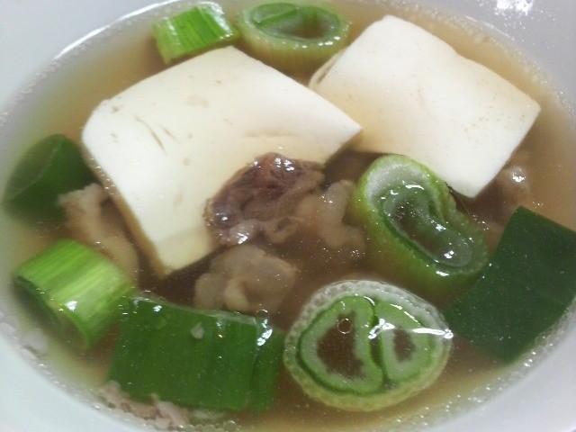 特製の牛すじスープは絶品です