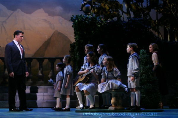 The kids see their father (Sound of Music)