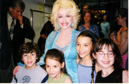 Dolly Parton comes to see the show and visits the cast - credit nicholasjonas.com