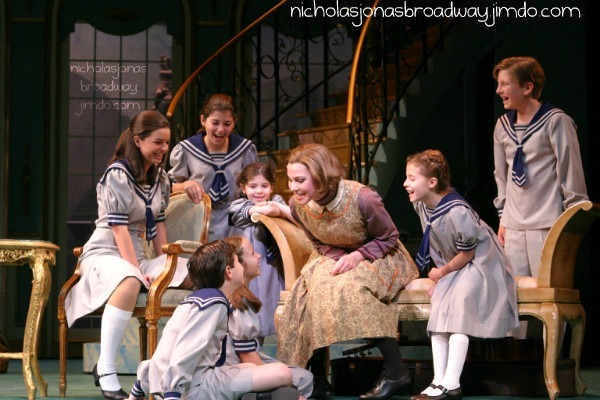 Do Re Mi (the picture inside the Papermill Playhouse)