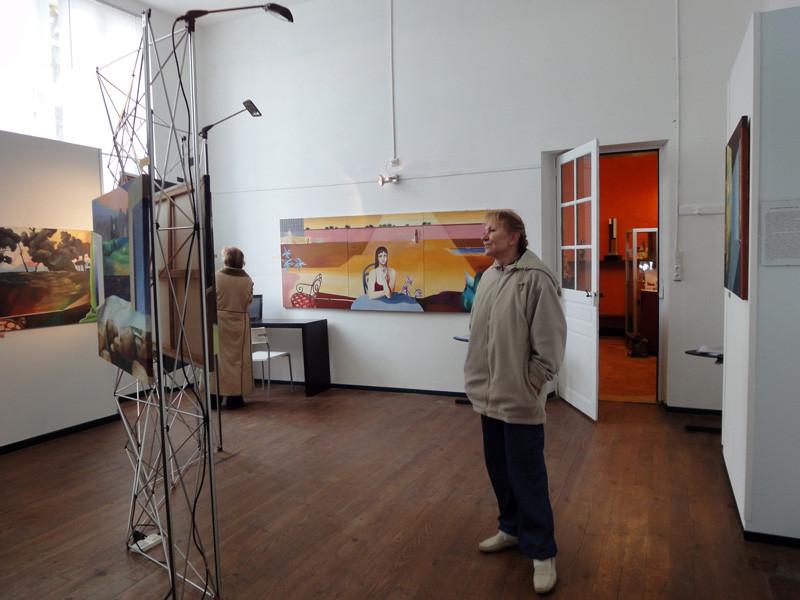 Les tableaux de Ksenia Milicevic et les sculptures de Christopher Stone et Gérard Lartigue