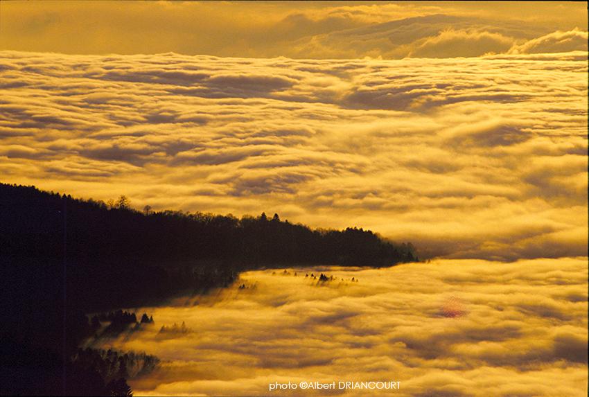 Mer de nuages, détail