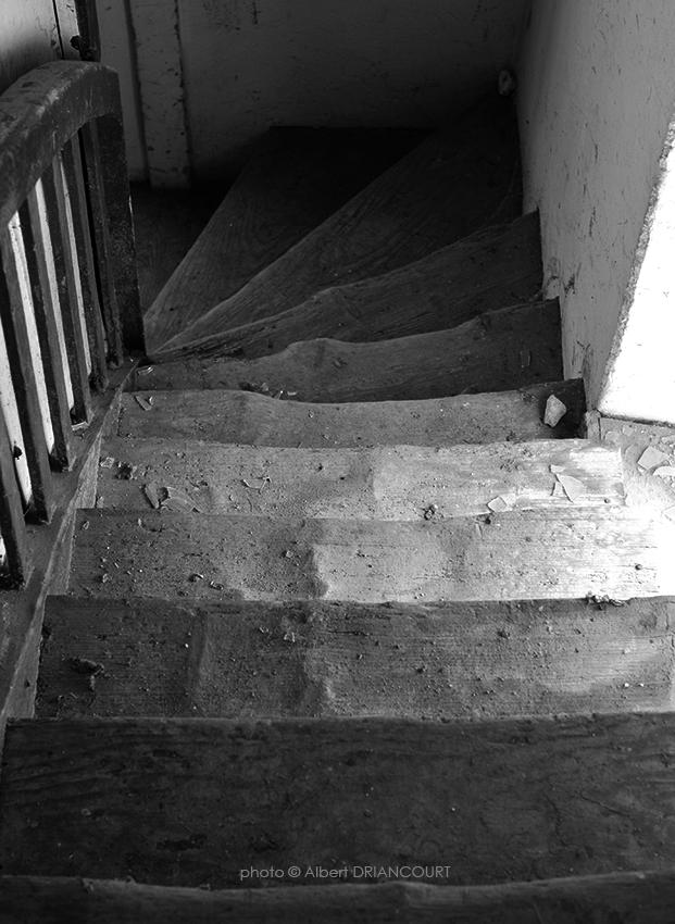 des marches usées par près de 150 ans d'histoire