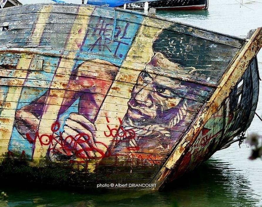 Livre d'histoire, ou street art version maritime