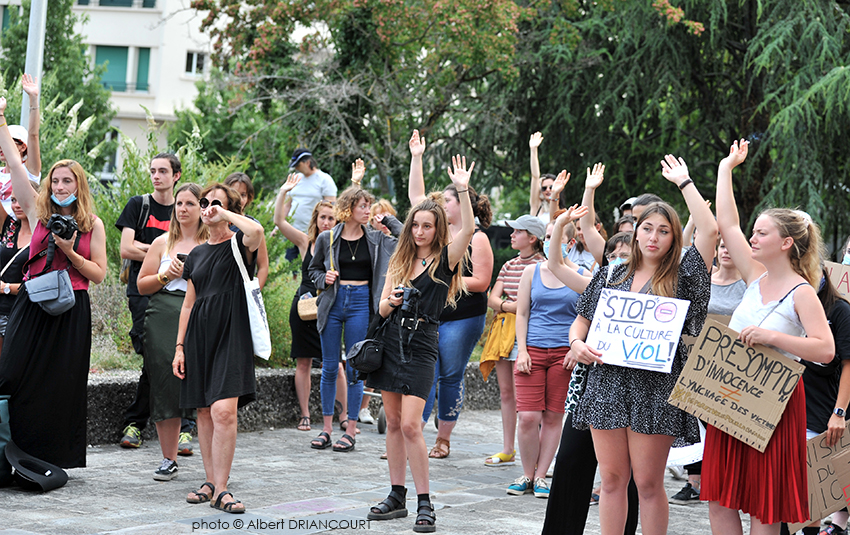 Parmi les femmes présentes aux manifestations, la grande majorité ont subit des violences.