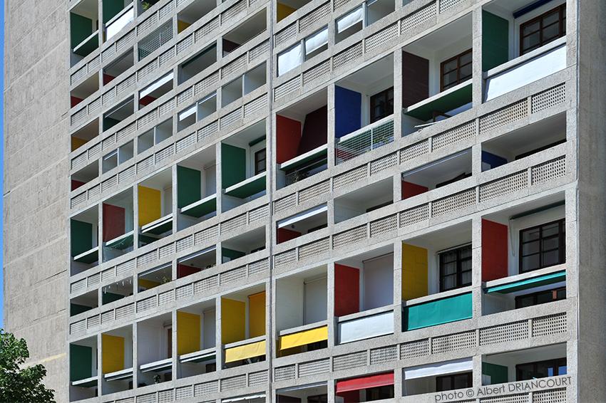 """des """"unités d'habitations"""", majoritairement des duplex, très avant gardistes pour l'époque"""