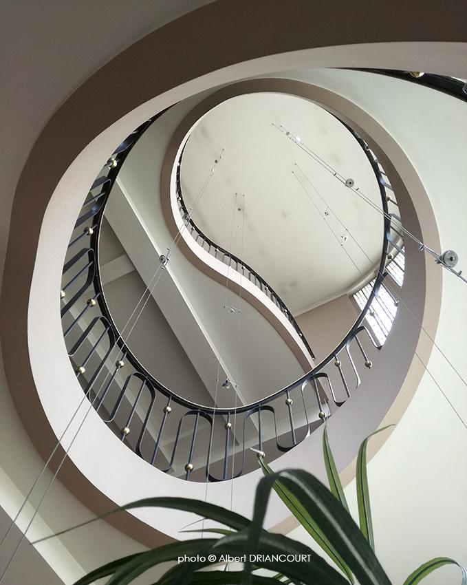 ... à l'intérieur, l'escalier a été conservé