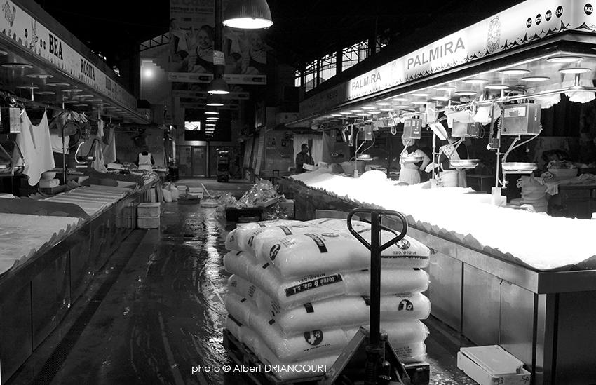 marchands de glace. premiers sur place, les livreurs de glace pour les poissonniers