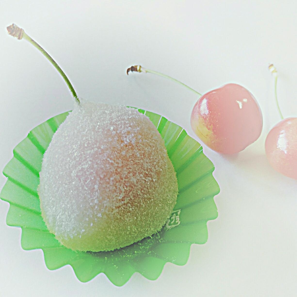 さくらんぼの大福「蜜さくらんぼ🍒」