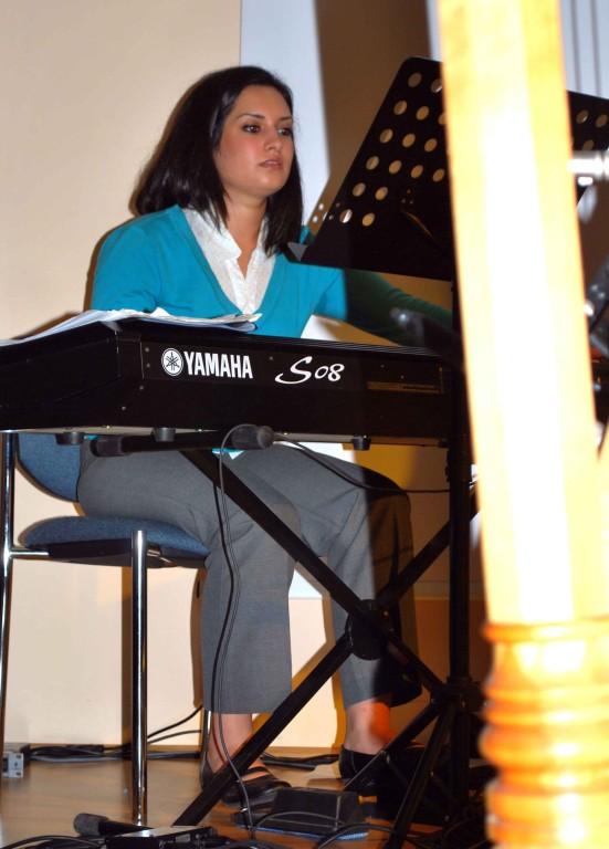 Mit Nazanin Ansari - Tari, Orchesterkeyboard