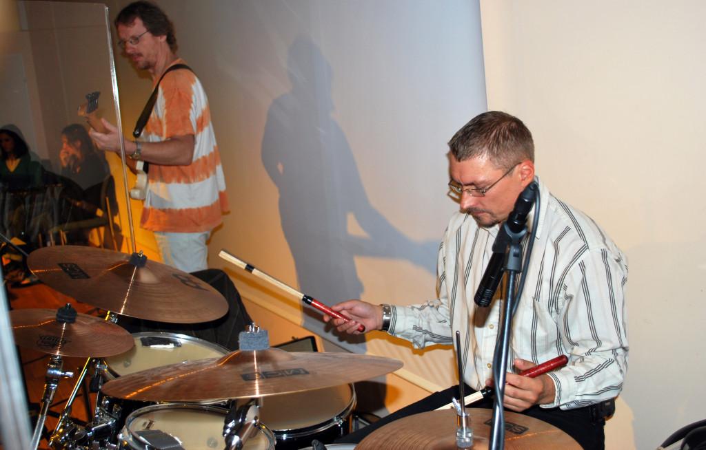 Mit Johannes Hausensteiner, E-Bass & Hermann Fischill, Schlagzeug