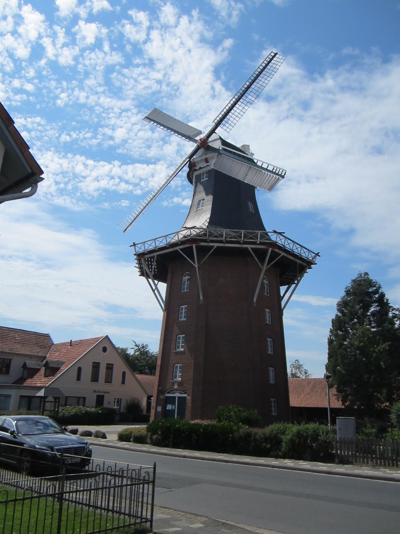 Wahrzeichen Vareler Mühle