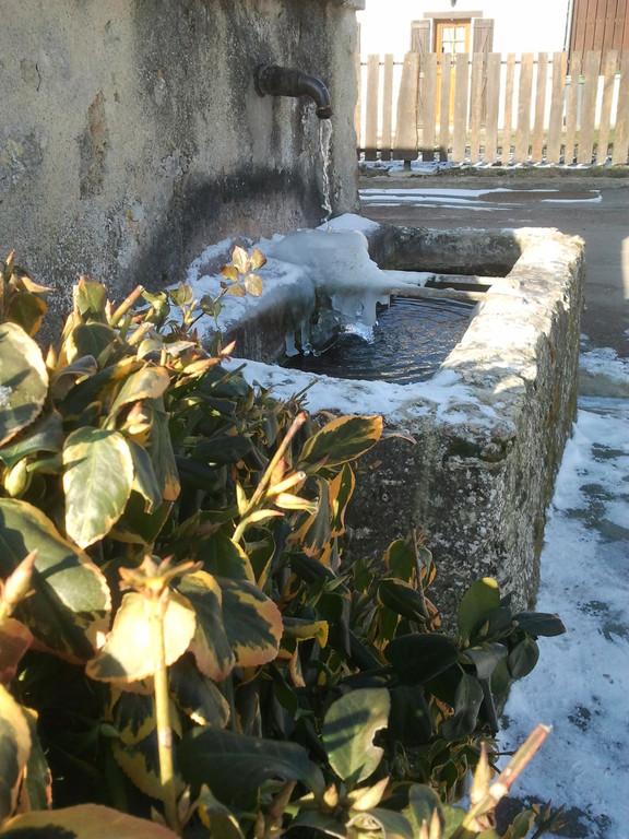 Baulne en Brie : la fontaine de glace, rue du Colombier
