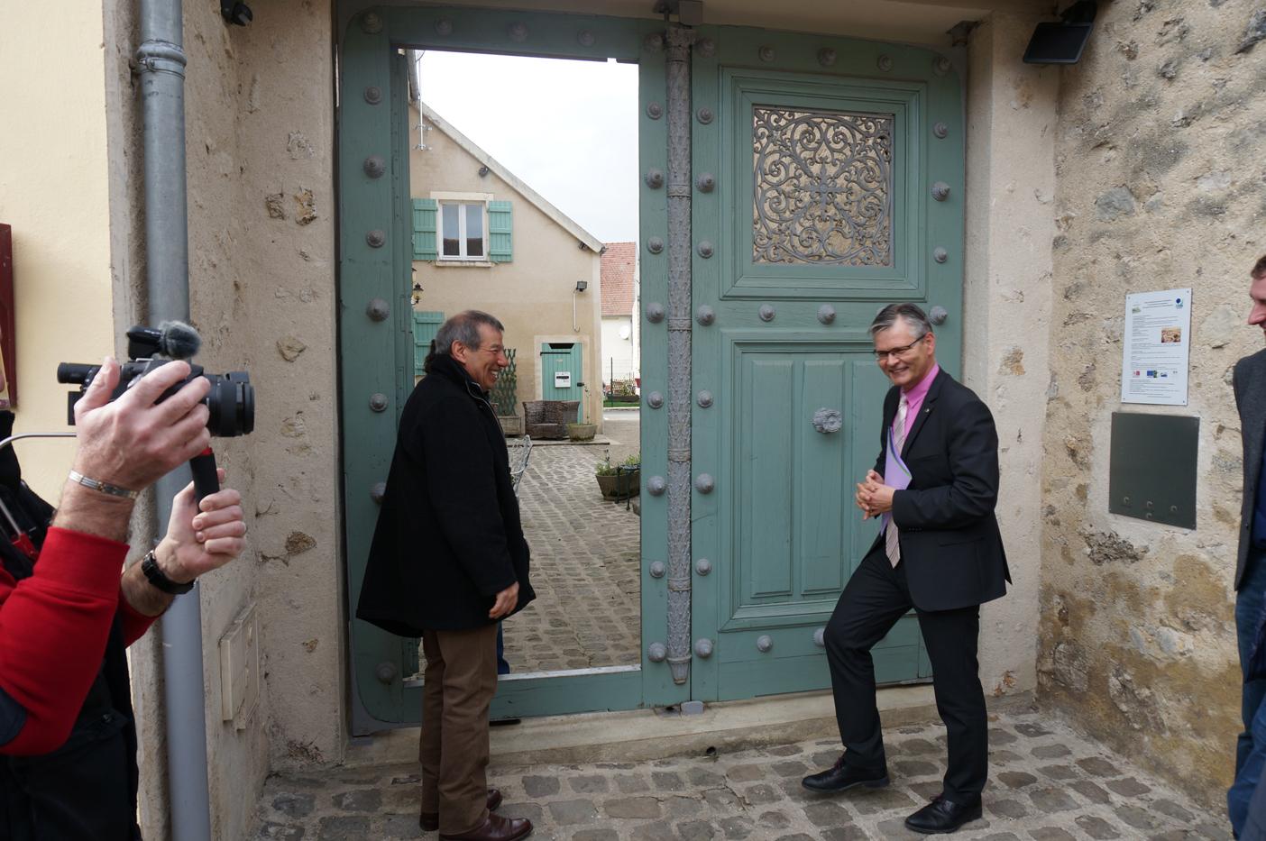 Porte de la prison de la Petite Roquette, restaurée par les élèves du lycée professionnel Jules Verne de Château-Thierry