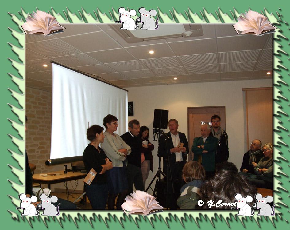 Le petit discours de notre Député-Maire, Jacques Krabal entouré du Maire de Vallées-en-Champagne, des Maires Délégués et de Catherine.
