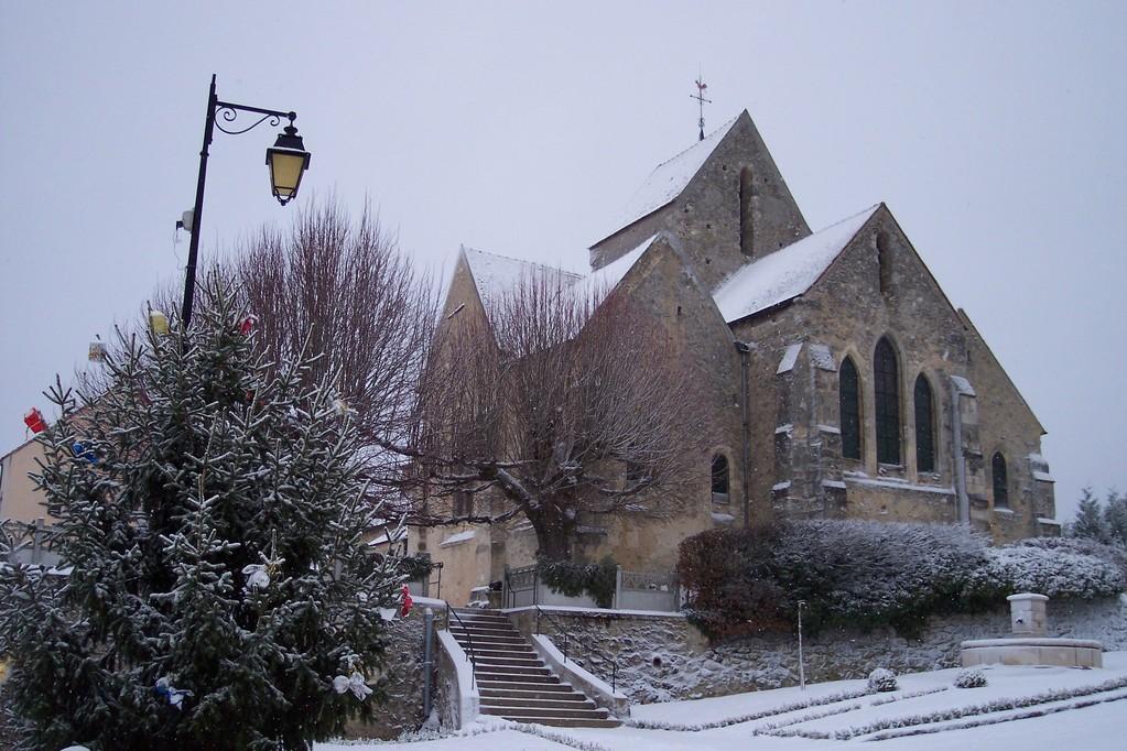 Baulne en Brie : l'église en hiver