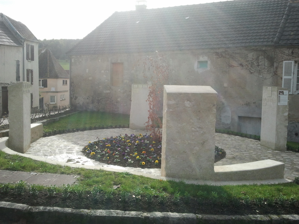 Le Mur de mémoire vivante : hommage aux déportés du canton de Condé en Brie