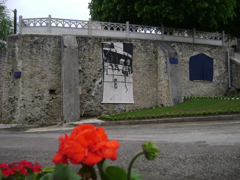 Journées mémoires Baulne en Brie 2009 (oeuvre des élèves de 3 ème du Collège de Condé en Brie)