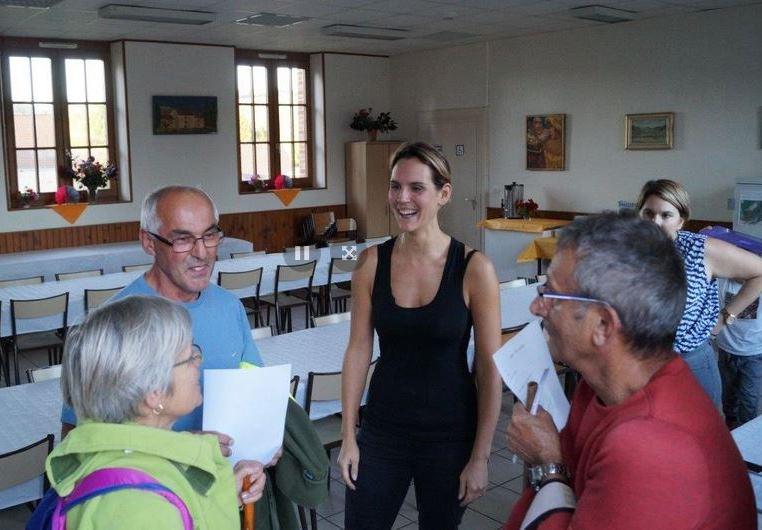 Au centre Stéphanie Patiny,(Présidente du comité des fêtes de Saint-Agnan) organisatrice de la marche gourmande.