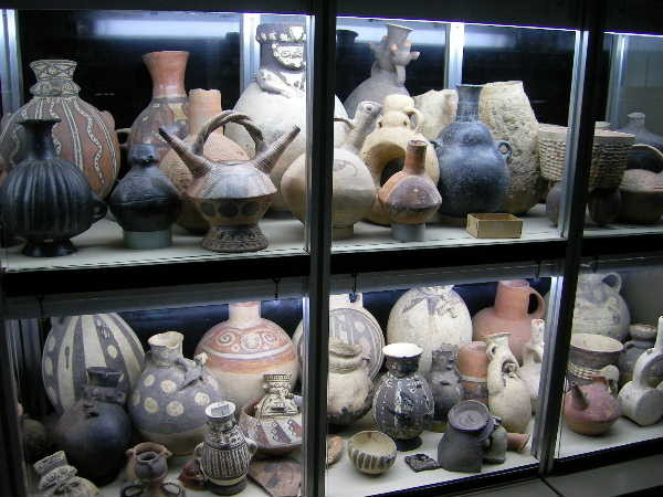 天野博物館はチャンカイ文化の所蔵品を旨としている。陶片を触って見る事で、当時の焼成方法や成形方法・技術を垣間見られる。短い時間でしたが、非常に有意義でした。博物館の皆様、本当にいい勉強をさせて頂きました。ありがとう御座います。