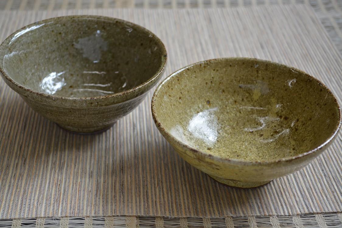 親子体験のお母さん作品です。茶碗2個です。