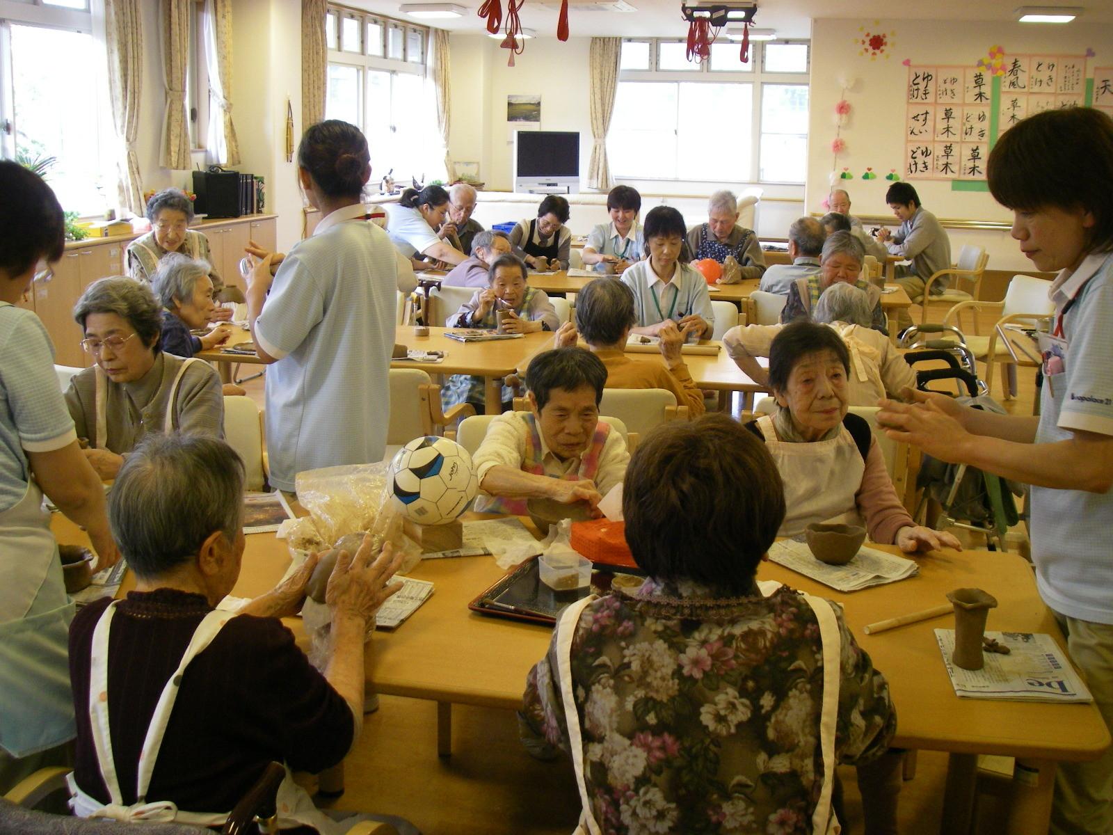 老人ホームでの教室例です。