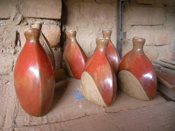 磨き終われば、そのまま乾燥。チュルカナスはとても暑く、乾燥しているので、よく乾く。