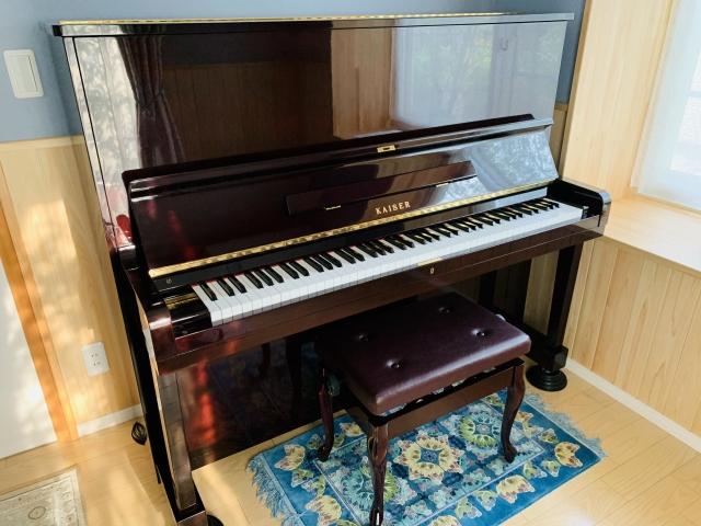 ピカピカによみがえって我が家に帰ってきました(修理ピアノ/カワイ/US-55LE)